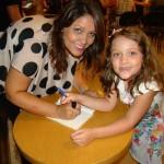 Jana e Alice_autografando